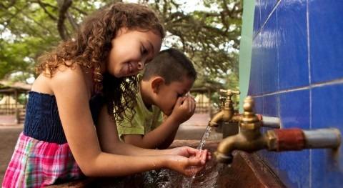""""""" inversión agua y saneamiento Quito asciende 825 millones dólares 10 años"""""""