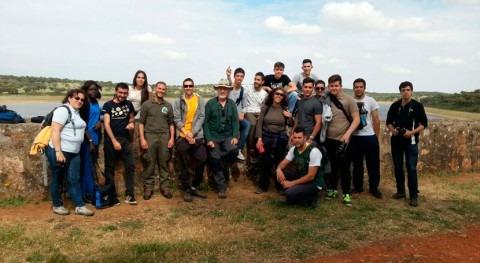 Estudiantes conocen riqueza piscícola y situación medioambiental aguas Extremadura