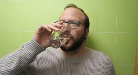 """Alberto Vizcaíno: """" agua grifo es más sostenible, barata y saludable que agua embotellada"""""""
