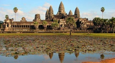 extracción aguas subterráneas turismo podría hundir ruinas Angkor Camboya