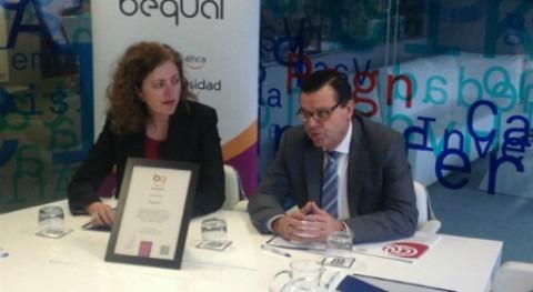 Aquadom recibe sello Bequal política inclusiva personas discapacidad