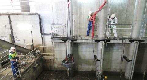 Espectacular operativo depuradora Ranilla, Sevilla, reparar instalación