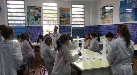 """""""Aula Agua"""" enseña alumnos comprender ciclo agua y gestión"""