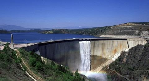 inversión materia agua 2012 se redujo 11% respecto al año anterior