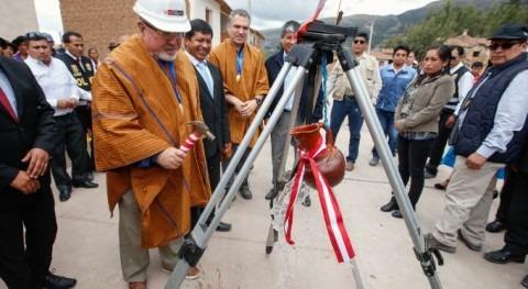 """Carlos Bruce: """" 100% zona urbana Ayacucho contará agua y alcantarillado 2021"""""""