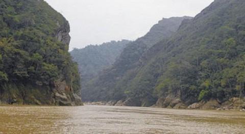 Hidroeléctrica Bala P1: ¿ presa más alta que terreno aledaño?