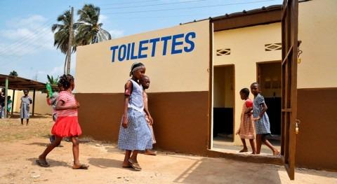 Contar baños limpios trabajo, clave evitar enfermedades