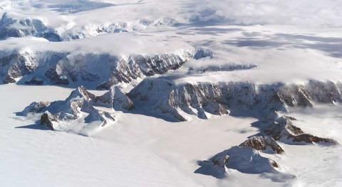 peso agua deshielo provoca que plataformas hielo se doblen