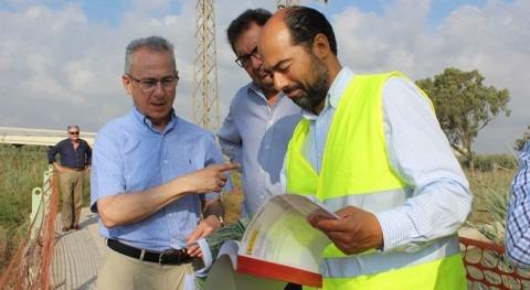 Confederación Hidrográfica Segura repara barrera retención flotantes Guardamar