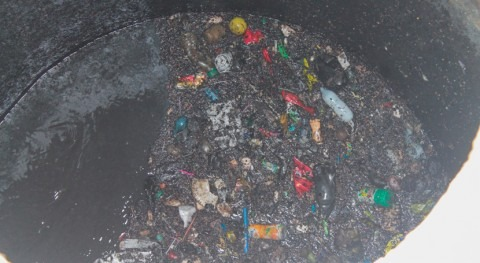 alcantarillas no deben ser usadas como basureros