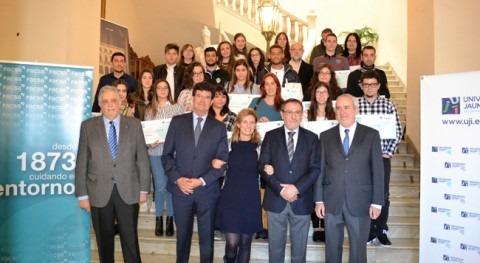 FACSA, UJI y Ayuntamiento entregan 24 becas estudiantes residentes Castellón