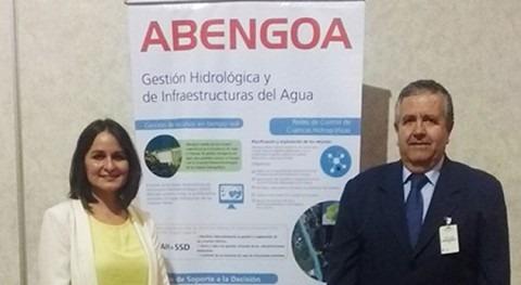 Antonio Linares Sáez y Eva Contreras, de Abengoa Water, en las Jornadas de Prohimet en Costa Rica.