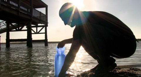 ¿Cómo llevar agua donde potabilizadoras no llegan?