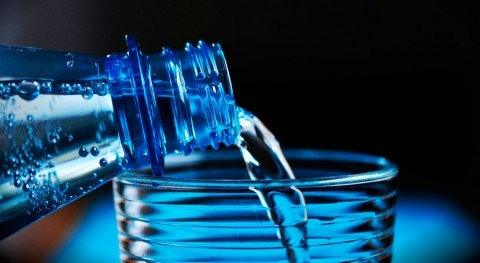 ¿ qué consumen mexicanos agua embotellada?
