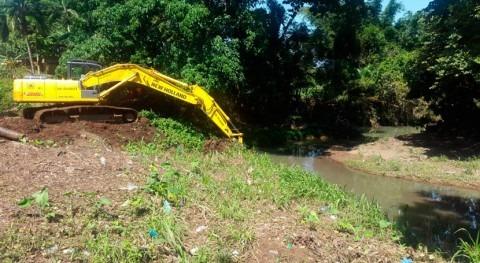 Panamá realiza dragado río Potero
