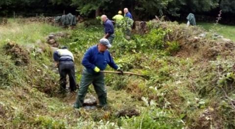 CHC inicia limpieza cauces varios arroyos Renedo Cabuérniga