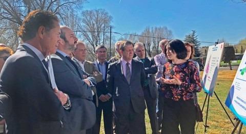 Canal llevará primera vez agua regenerada jardines particulares Villanueva Cañada