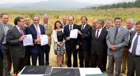 Chile suscribe protocolo reanudar Canal Prosperidad, paralizado 1972