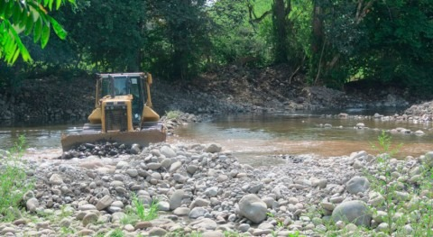 Gobierno Panamá canaliza río Jacú evitar inundaciones