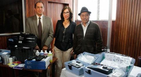 Gobierno Ecuador firma varios convenios entrega laboratorios 7 cantones