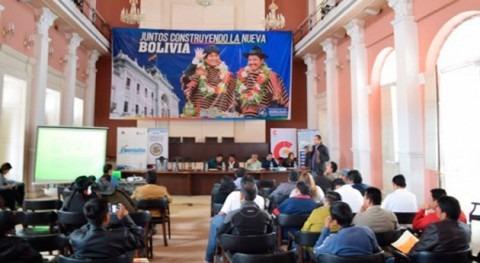 Gobierno boliviano capacita comunarios Chuquisaca proyectos agua y saneamiento