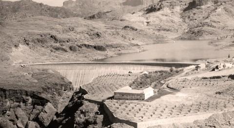 Agua, gofio y sal Presa Chira - Isla Gran Canaria - Islas Canarias