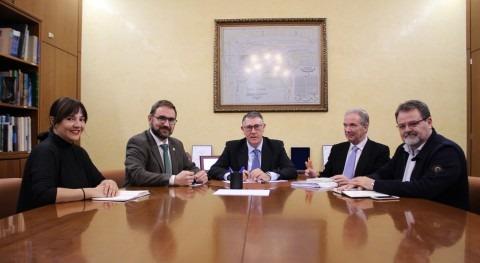 Mario Urrea mantiene encuentro trabajo alcalde Lorca, Diego José Mateos