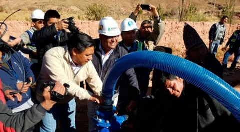 Cisternas transportan 500.000 litros agua garantizar suministro Potosí