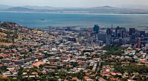 fuertes lluvias Ciudad Cabo causan inundaciones, aunque escasa importancia