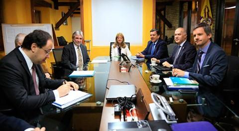 Colombia evalúa invertir acueductos y alcantarillados Pacífico colombiano