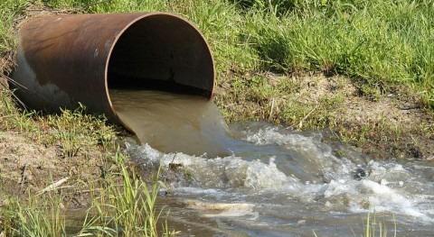 Contaminación Hídrica (Wikipedia/CC)