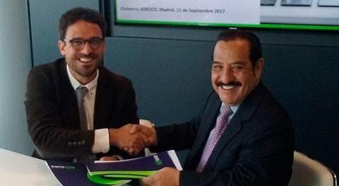 Escuela Agua firma convenio servicio nacional capacitación Perú