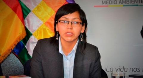 Gobierno Bolivia prohíbe derroche agua durante carnavales
