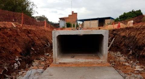 Avanza construcción desagüe pluvial arroyo San Lorenzo Paraguay