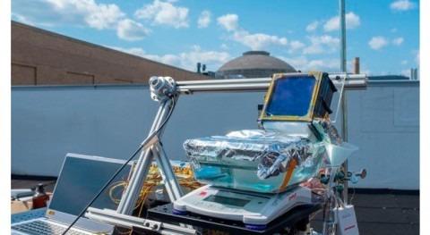 Científicos MIT crean desalinizadora solar pasiva que bate récords eficiencia