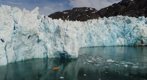 Kayaks robóticos detectan rápido deshielo glaciar agua