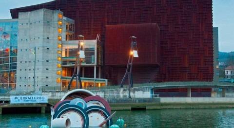 ¿Qué hace vajilla sucia flotando ría Bilbao?