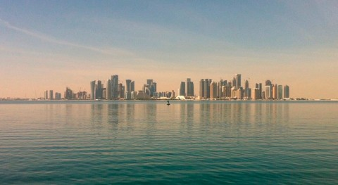 Qatar negocia Turquía e Irán suministro agua y alimentos