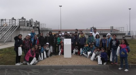 Escolares Villafría recorren Estación Tratamiento Agua Potable Oviedo