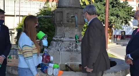 Gestagua y Ayuntamiento Carballo fomentan consumo agua grifo