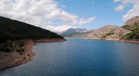 reserva hidráulica española disminuye al 57,2% capacidad