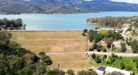 Andalucía licita 5,9 millones euros obras mejora presa Guadarranque