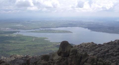 Vista del embalse de Santillana desde la Pedriza (wikipedia/CC)