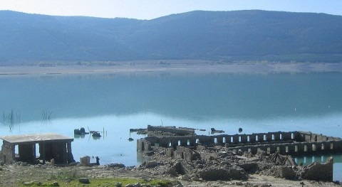 Embalse de Yesa (Wikipedia/CC).