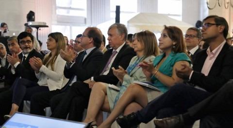 """"""" debate uso y gestión recursos hídricos debe estar fundado verdad"""""""