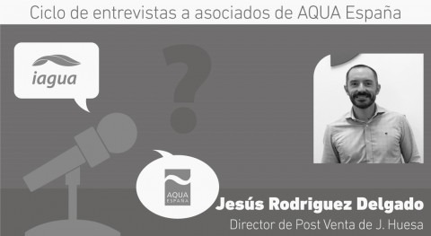 """ agua juega papel fundamental al ser recurso no renovable, escaso e indispensable"""