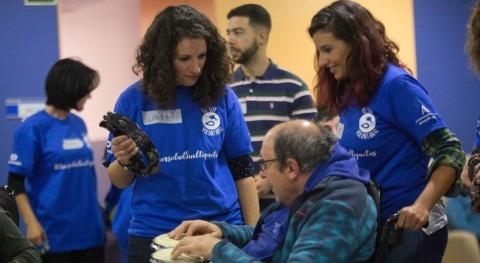 Voluntarios Global Omnium, personas parálisis cerebral AVAPACE