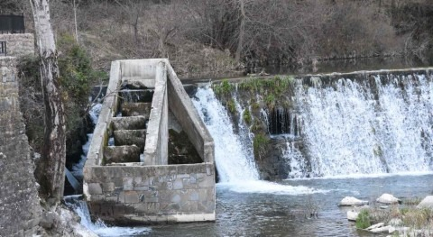 CHE licita estudios hidromorfología mejorar conectividad fluvial cuenca