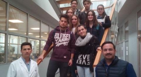 Puertas abiertas Labaqua: Alumnos Bachiller visitan laboratorios sede Alicante