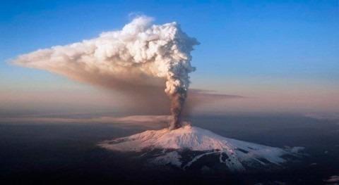 cenizas Etna y frío extremo impulsan vida fosas abisales Mediterráneo